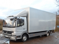 7.5 Tonne Box Or Curtain with tail lift