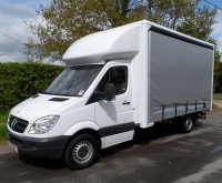 Medium Van - Curtain & Tail-lift